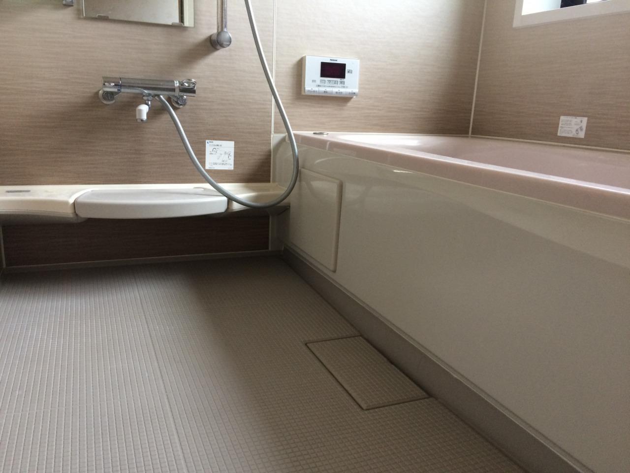 お風呂場の床掃除に便利な2つのブラシをご紹介!