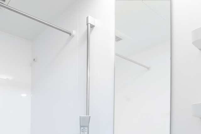 お風呂場鏡のウロコ落とし〜『【激落ちくん】ミラーケア鏡のウロコ取りシリーズ』
