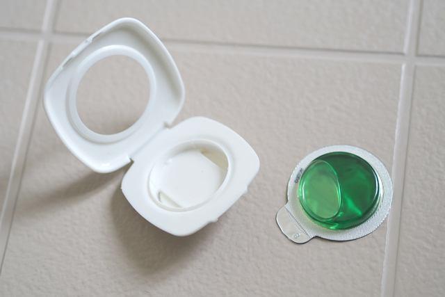 【激落ちくん】貼るだけ防カビ剤シリーズの使用方法