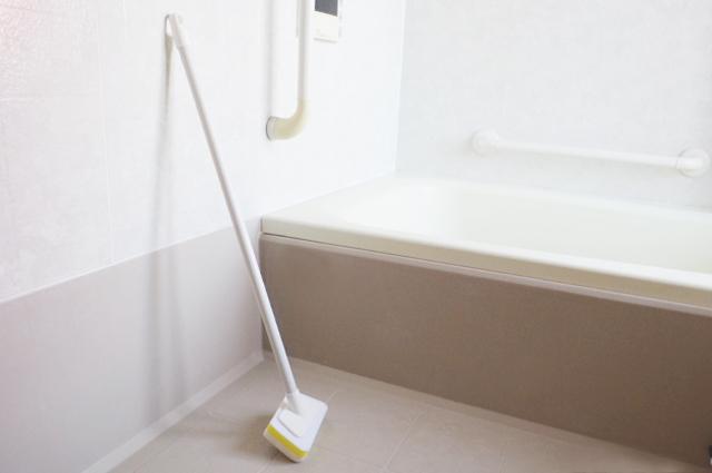 【お風呂場の手が届きにくい場所のお掃除に】便利アイテムをご紹介!