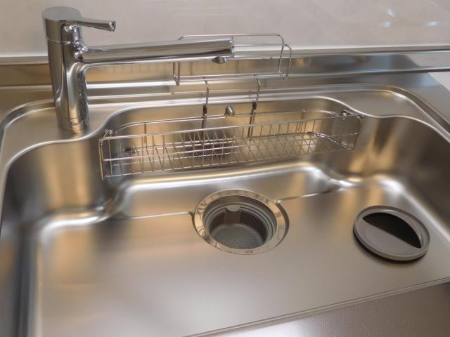 キッチンのヌメリや嫌なニオイを解消!排水口のお掃除方法を大公開!